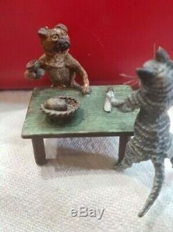 Austrian Bronze Miniature Cat serves dog Franz Bergman Geschutzt Cold Painted
