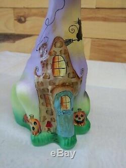 Fenton Alley Cat Beware of Halloween