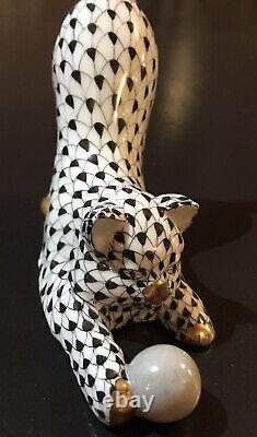 HEREND Hungary Porcelain Cat Kitten Ball Tail Up Gold Black Fishnet Figurine m