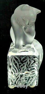 Lalique France Crystal Cat on Pedestal Frosted Cleaning Time Signed 11677 Mint