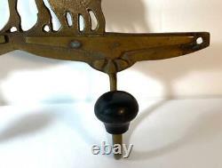 Antique Art Déco/nouveau Brass 3-hook Wall Rack Femme Nourrir La Queue De Poisson Pour Les Chats