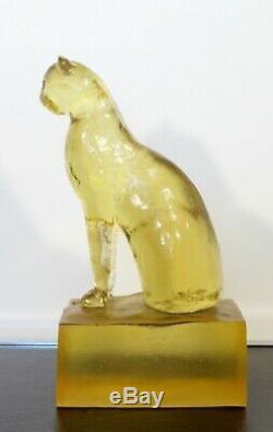 Art Déco Moderne Dorothy Thorpe Résine Chat Sphinx Sculpture De Table Années 1940 Jaune