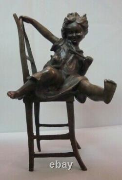Art Déco Style Statue Sculpture Cat Fille Art Nouveau Style Bronze Signé