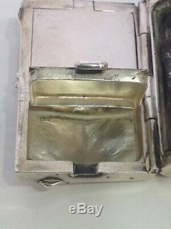Cat Vanity Compact 935 Argent. Antique. 1 3/4 Longue. 1 1/8 Large. Art Déco