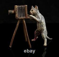 Chat Et Appareil-photo Antiques De Bronze, Bergman, Chat Anthropomorphe