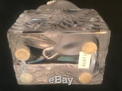 Cristal Lalique Cat Regarder En L'air Avec Patte Surélevée Sur Socle De Base, Signée