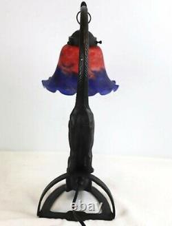 Lampe En Bronze Crouching Cat Avec Tulipe En Verre Shade Yeux Lumineux Art Déco Style
