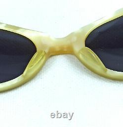 Lunettes De Soleil Vintage Pour Les Yeux De Chat France Blanc Creamy Seashell Non Utilisé Dames Des Années 1950