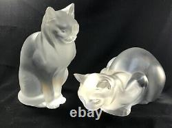 Paire Lalique France Frosted Crystal Sitting Crouching Cat Figures