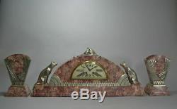Rare Horloge Art Déco Cubiste Avec Des Chats Et Des Colombes.