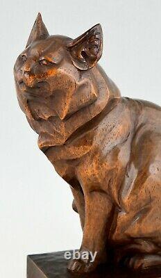 Sculpture En Bois Art Déco D'une Main De Chat Sculptée Par Irène Rochard France 1930