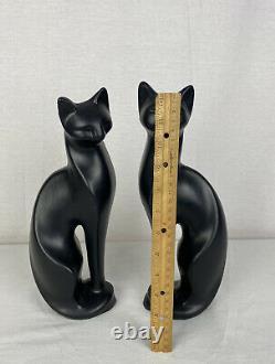 Statues De Chat Noir De Poterie Sculpturale Art Déco Du Milieu Du Siècle