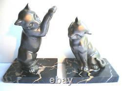 Sublime Français Bookends Art Déco 2 Cats Sur Terrasse En Marbre Noir